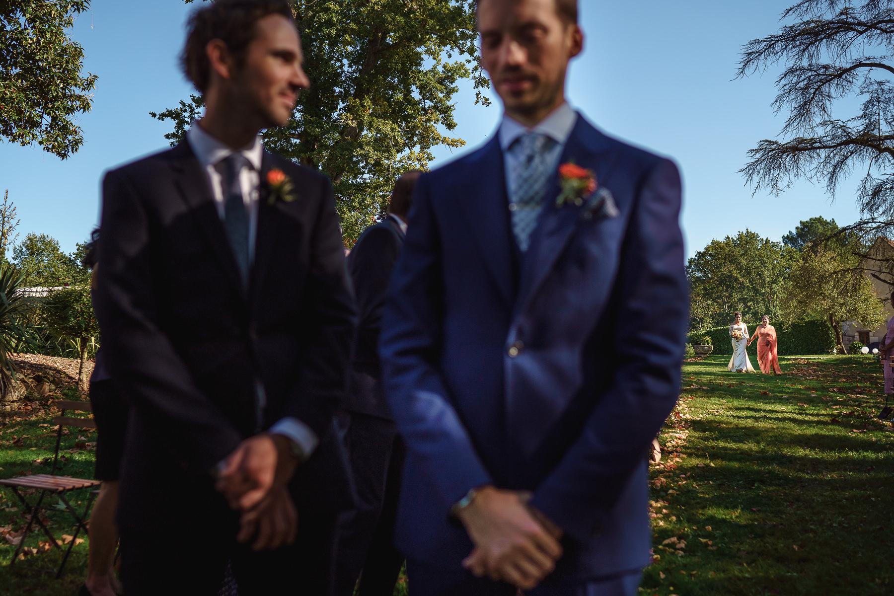 groom Domaine La Fauconnie wedding