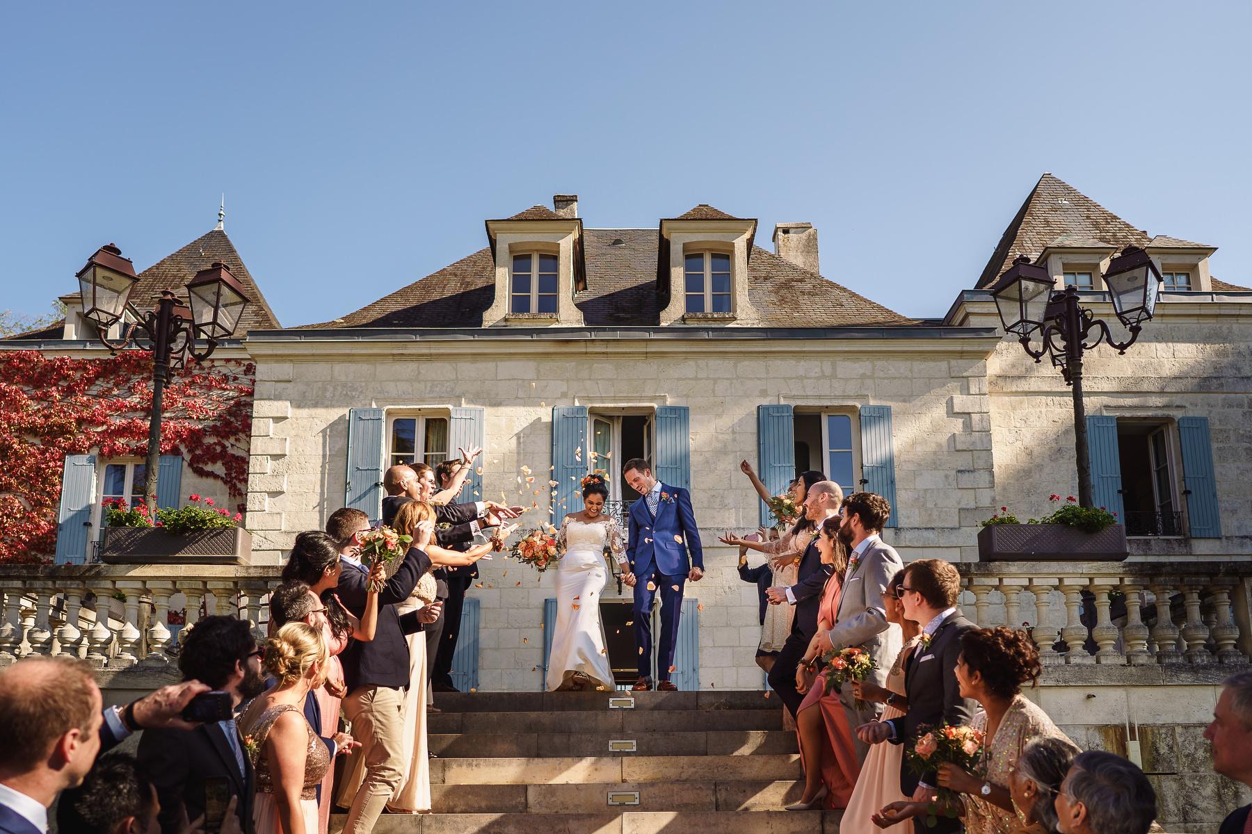 confetti Domaine La Fauconnie wedding
